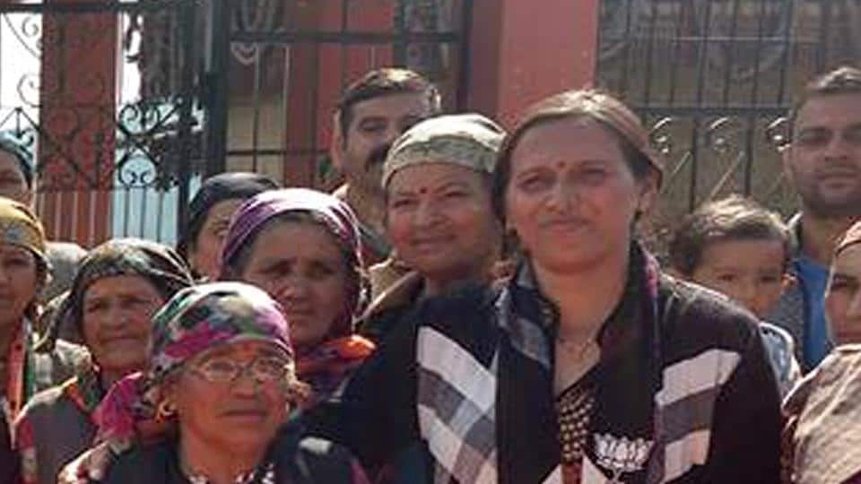 The BJP fielded Shashibala, 35, from Rohru against sitting Congress legislator Mohan Lal Brakta. The constituency was represented by chief minister Virbhadra Singh earlier. Traditionally, a Congress stronghold, Shashibala is relying on the aam aadmi (common man) card. An outspoken leader, she has the backing of all BJP factions and is steering ahead her campaign.  (ht photo)