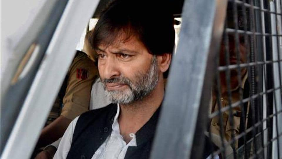 JKLF chairman Yasin Malik was issued a show cause notice for alleged forex violation of $100,000.