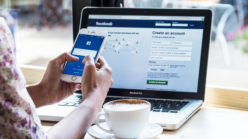 Social media,Social media misuse,Facebook