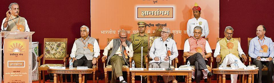 Indianisation of education,Gujarat governor Kohli,need of the hour