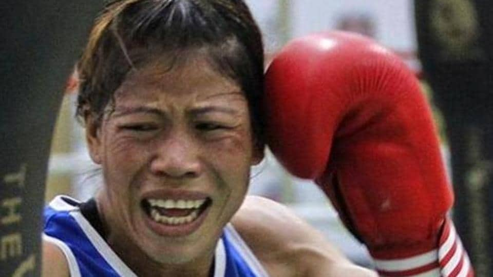 Indian boxer MC Mary Kom has entered the semi-finals of the Asian Boxing Championships.
