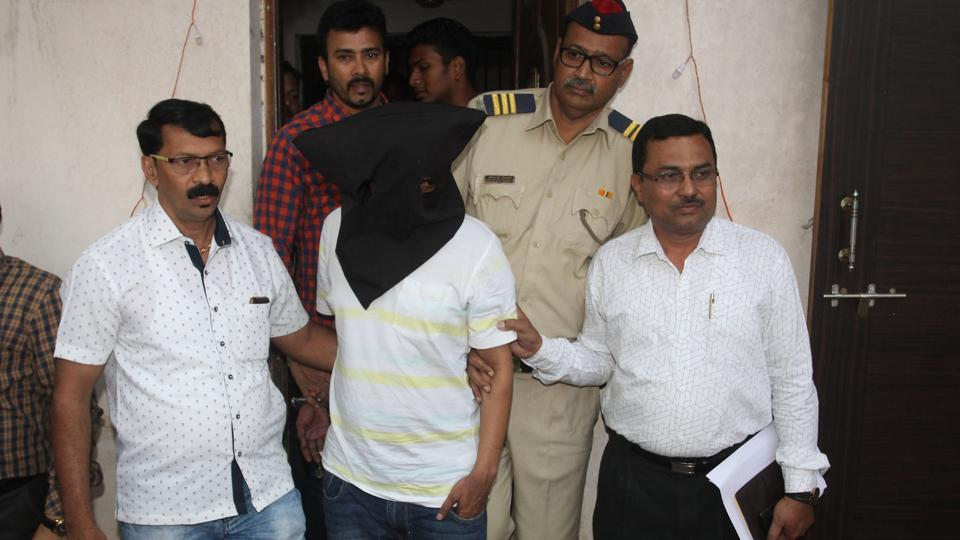 Maharashtra IAS officer,Radheshyam Mopalwar,anti-extortion cell