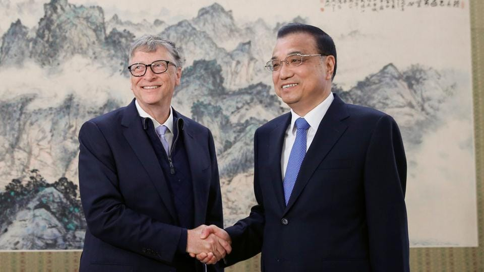 Chinese Premier Li Keqiang meets Microsoft co-founder and philanthropist Bill Gates at the Zhongnanhai government compound in Beijing on November 3.