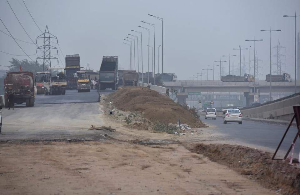 The portion of elevated U-turn towards MG Road will provide commurers coming from Sector 17/18 and Rajiv Chowk side  passage towards Mehrauli-Gurgaon (MG) Road or the Jaipur side.
