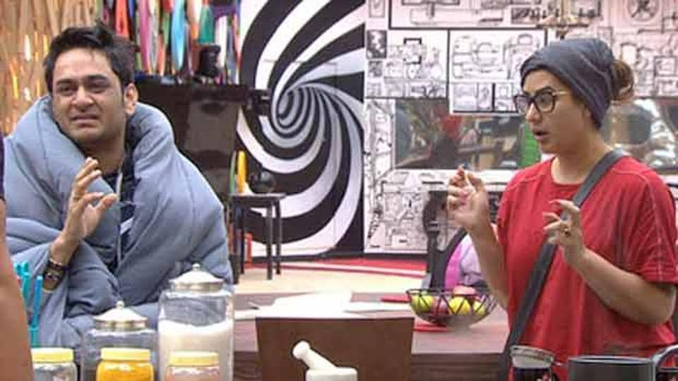 Shilpa Shinde and Vikas Gupta have been constantly fighting inside Bigg Boss 11 house. While Vikas has got little support inside the house, TV stars are tweeting for him outside it.