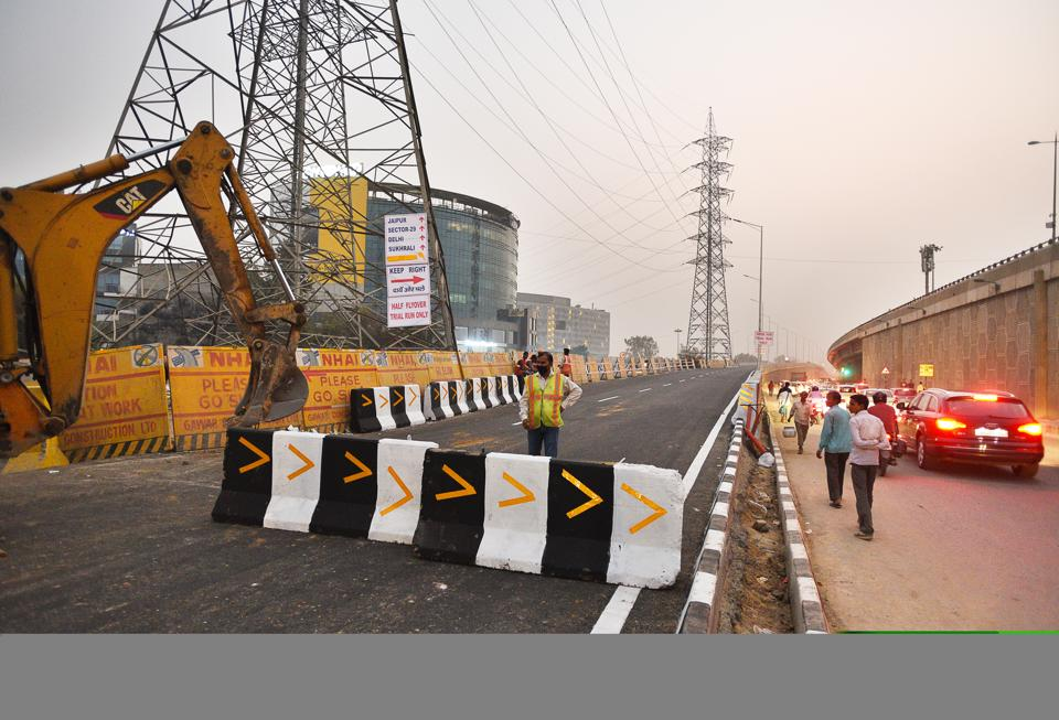 The elevated road at Iffco Chowk was closed to traffic on Sunday after the barriacade points on it were found missing and the stretch appeared to be open for use.