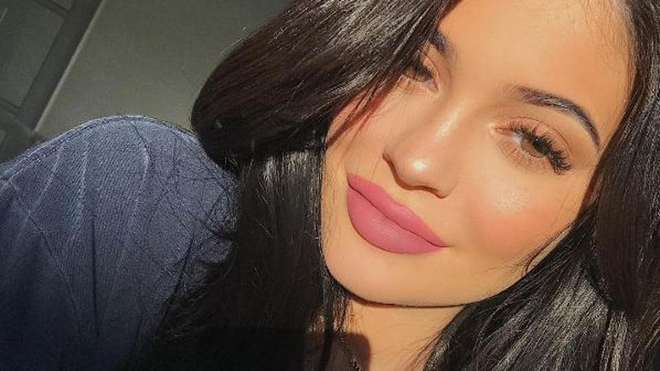 Kylie Jenner has only been putting up pictures of herself from shoulders up lately on Instagram and Snapchat.