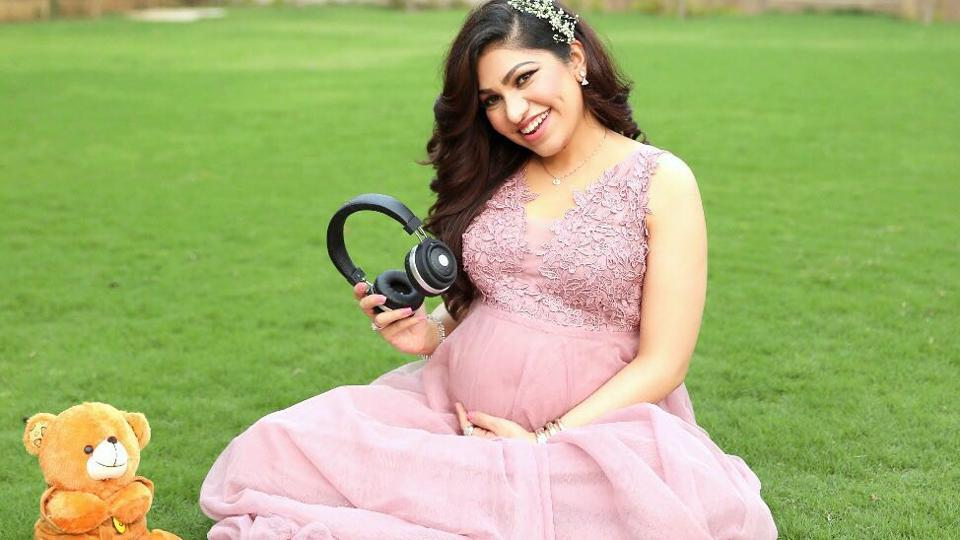 Singer Tulsi Kumar is in the third trimester of her pregnancy.