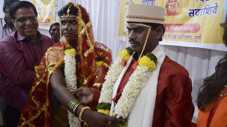 The couples in the ceremony spanned the age group of 22 to 50. The couples had found their life partners on their own and the NGO stepped in by assisting in their marriage registrations across Maharashtra, a process which took more than six months. (Ravindra Joshi / HT Photo)