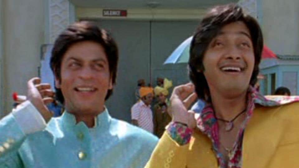 Shah Rukh Khan and Shreyas Talpade in a still from the film Om Shanti Om  (2007).