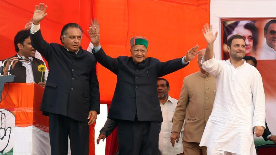 (From left) Congress candidate GS Bali, chief minister Virbhadra Singh and Congress vice president Rahul Gandhi at a rally in Nagrota Bagwan near Dharamshala on Monday.