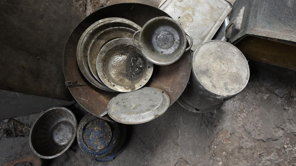 Copper vessels and other utensils from Raza's royal kitchen lie unused; a sign of his reclusive self.  (Sanchit Khanna / HT Photo)