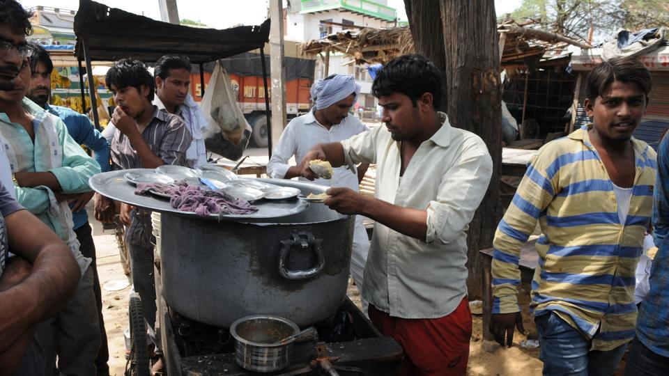 After authorities started collecting biryani samples to detect beef, biryani sellers in Mewat have stopped selling gosht biryani and have switched to chicken.