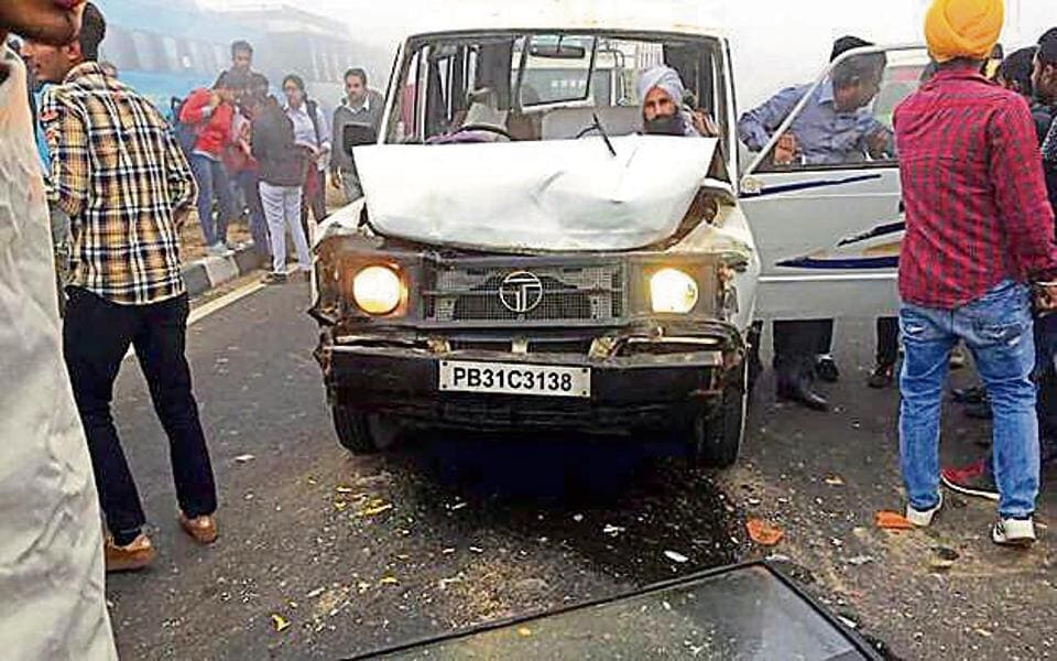 Killer smog: Truck mows down 8 students waiting by roadside in