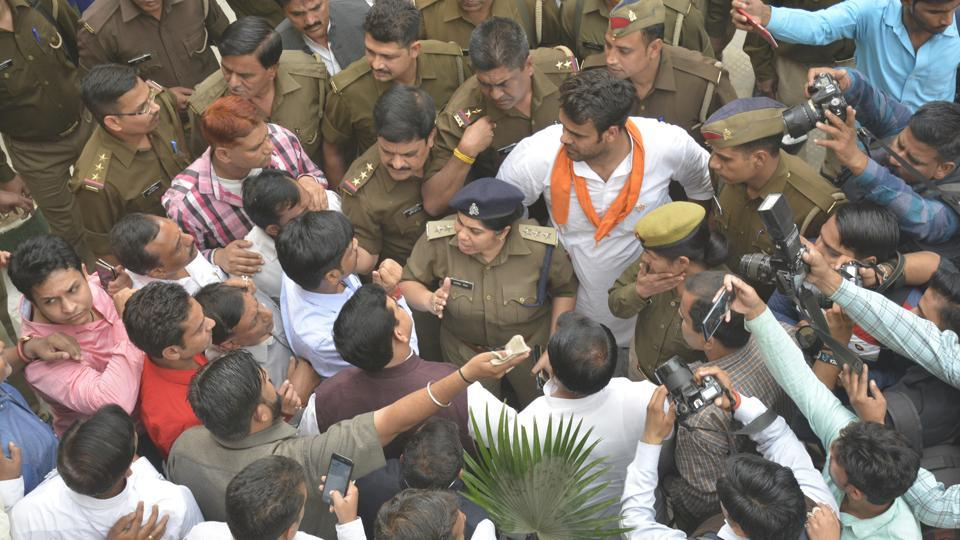 Members of various political parties protested inside the Ghaziabad nomination centre on Wednesday after they reportedly found that the BJP Mayor Candidate, Asha Sharma, had submitted incomplete documents. Later, her documents were found to be complete.