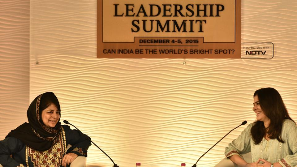 Jammu and Kashmir chief minister Mehbooba Mufti with Sonia Singh, editorial director of NDTV, at HTLS 2015. (Hindustan Times)