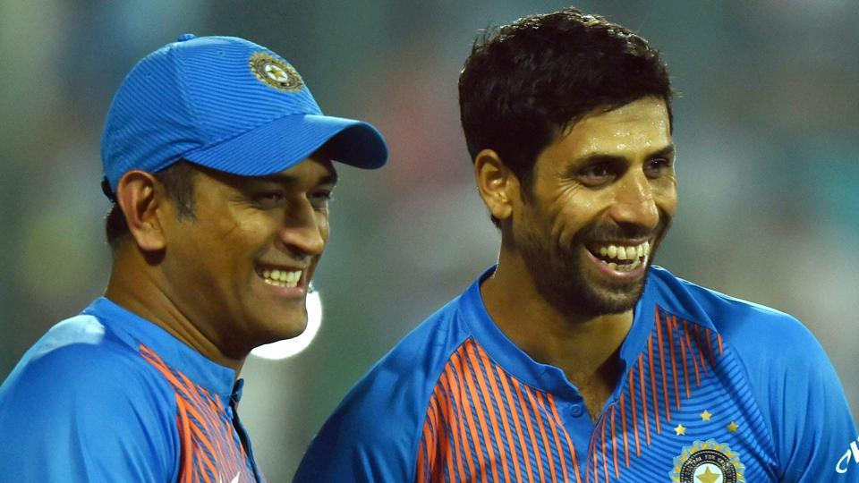 MS Dhoni,Ashish Nehra,Indian cricket team
