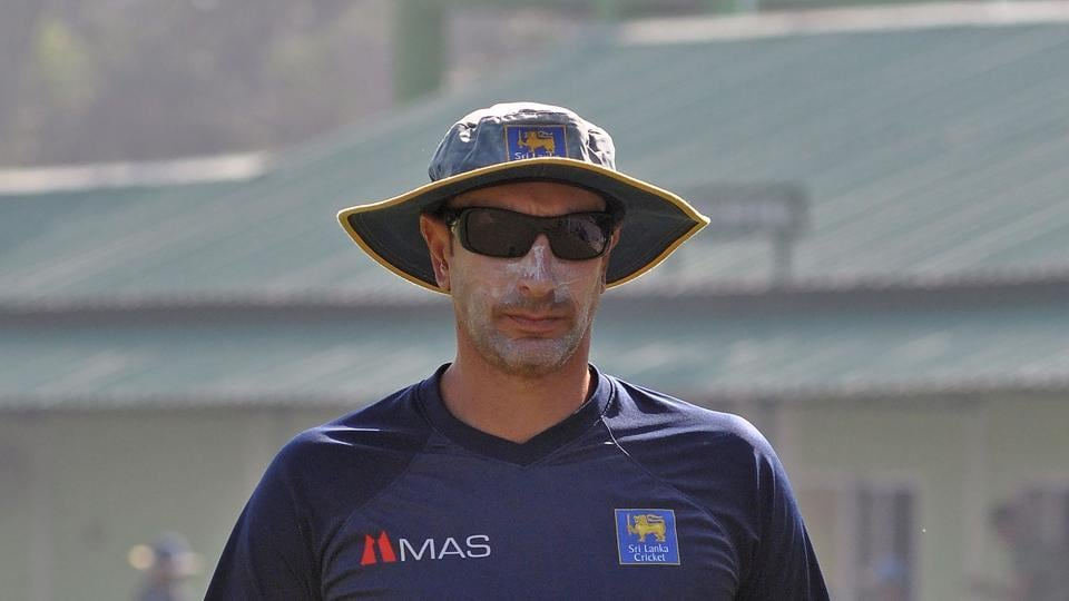 Stressing the need to focus on their strengths, Sri Lanka coach Nic Pothas has urged his players not to get enamoured by India. (AFP)