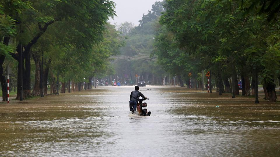 Vietnam's long coastline makes it prone to destructive storms and flooding. Floods killed more than 80 people in the north last month, while a typhoon wreaked havoc in central provinces in September. (Kham / REUTERS)