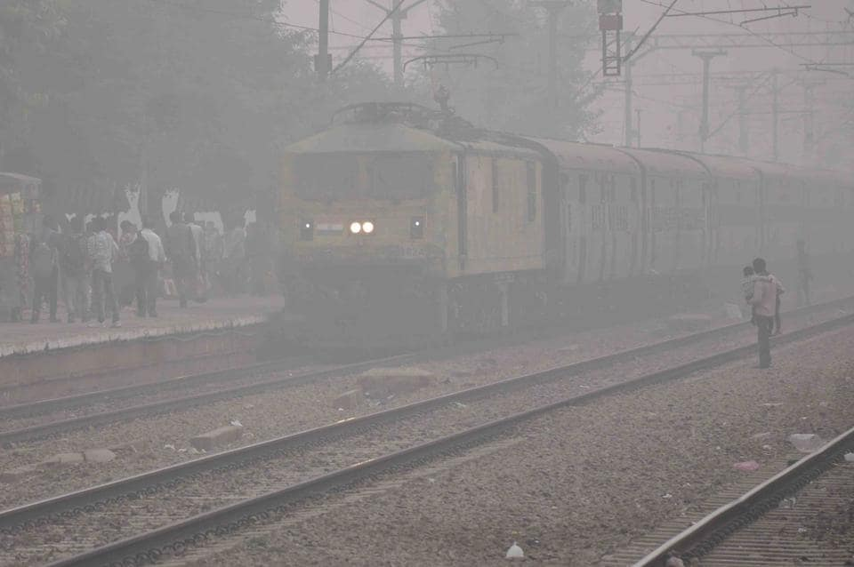 In Haryana, dense smog on National Highway-9 hit normal life. Long-distance trains from Bathinda to Delhi via Sirsa and Hisar ran late, while Haryana Roadways cancelled many early morning long-route buses to avoid accidents. (HT Photo)