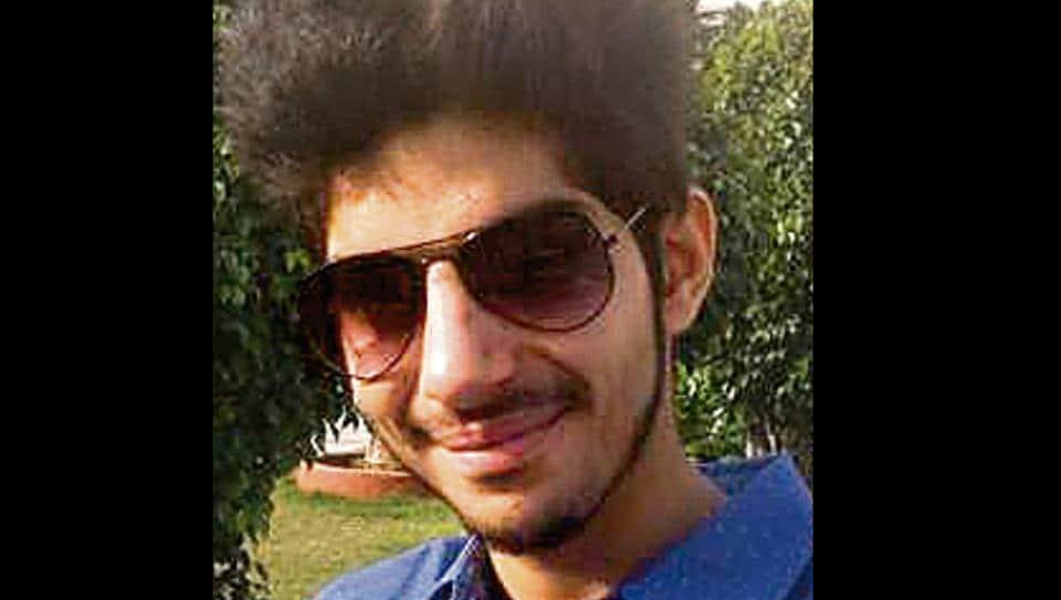 college student found dead,Chandigarh college student,dead in car