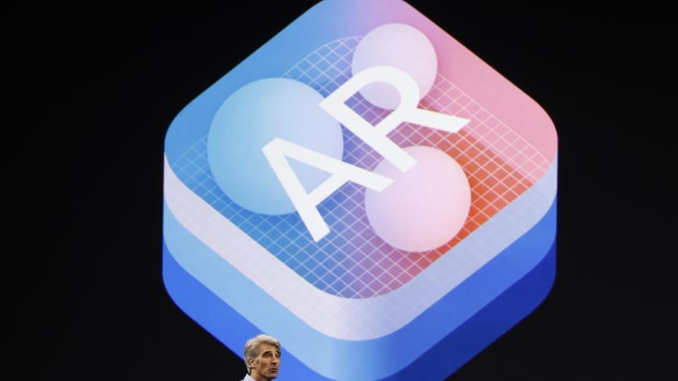 Craig Federighi, Senior Vice President Software Engineering speaks about