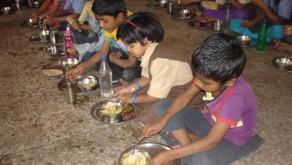 Damoh school,MP cleanliness drive,Mid-day meal