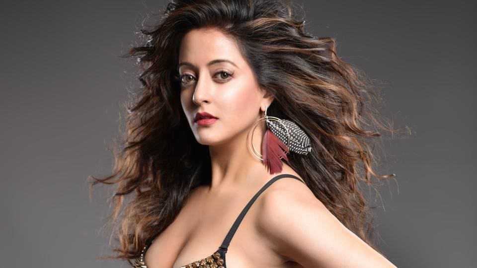 Actor Raima Sen was lauded for her performance in the 2003 film Chokher Bali.