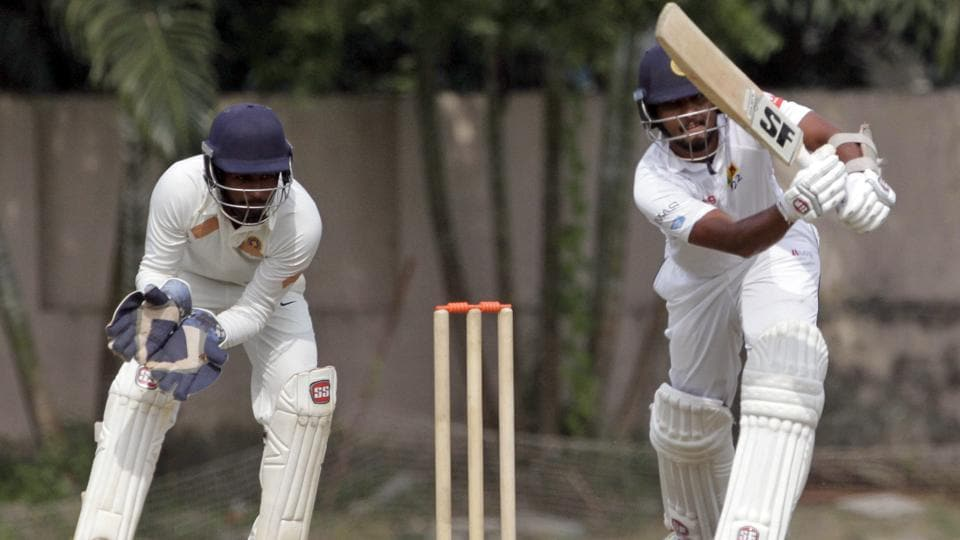 Sri Lanka's captain Dinesh Chandimal, right, played a patient innings. (AP)