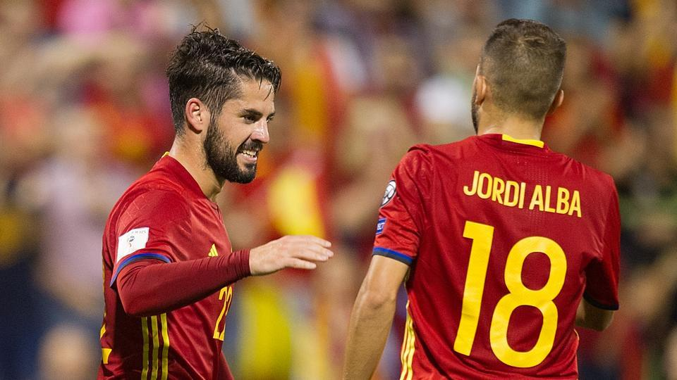 Isco's good form at Real Madrid is something Spain team-mate Jordi Alba doesn't like.