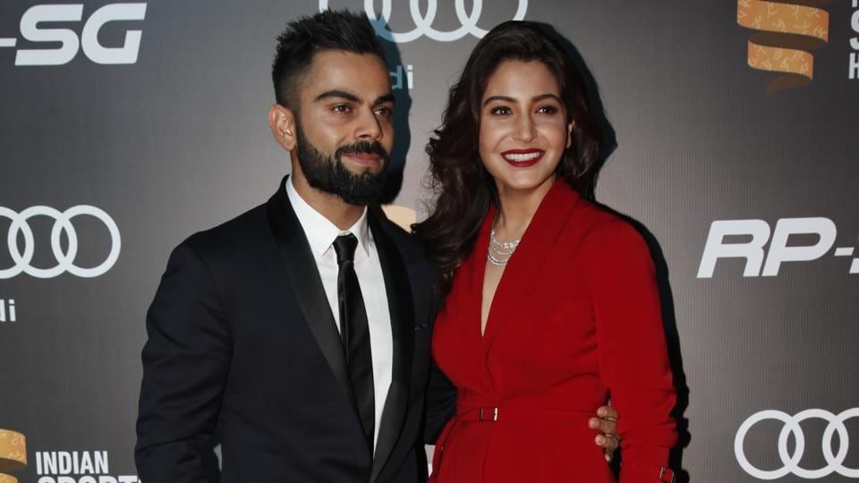 Virat Kohli and Anushka Sharma looked elegant as arrived at the Red Carpet of Indian Sports Honours in Mumbai. (Ht Photo)