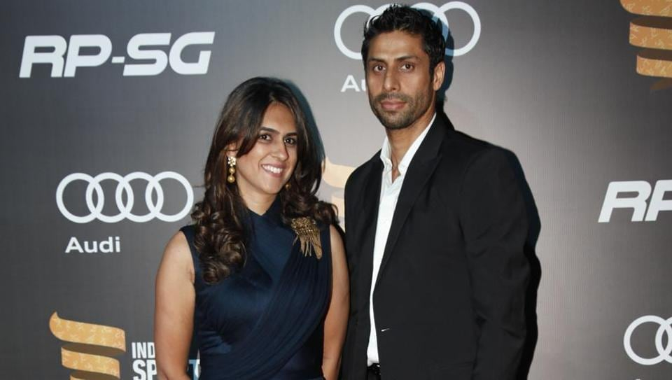 Ashish Nehra, who recently retired from the Indian cricket team, with his wife Rushma. (HT Photo)