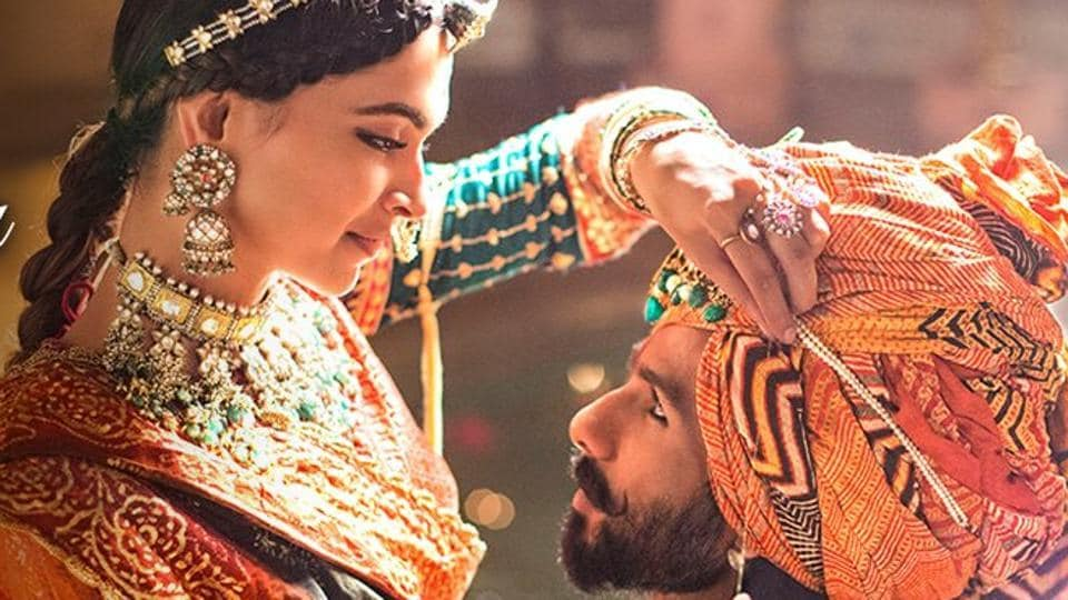 BJP leader Mukhtar Abbas Naqvi says he neither supports Padmavati nor opposes it.