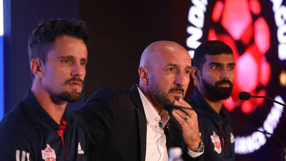 Marcelinho (L) is confident of FC Pune City doing well in the upcoming season of the Indian Super League.