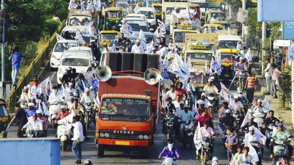 AAP opens Gujarat elections campaign with a road show in Ahmedabad on October 2.
