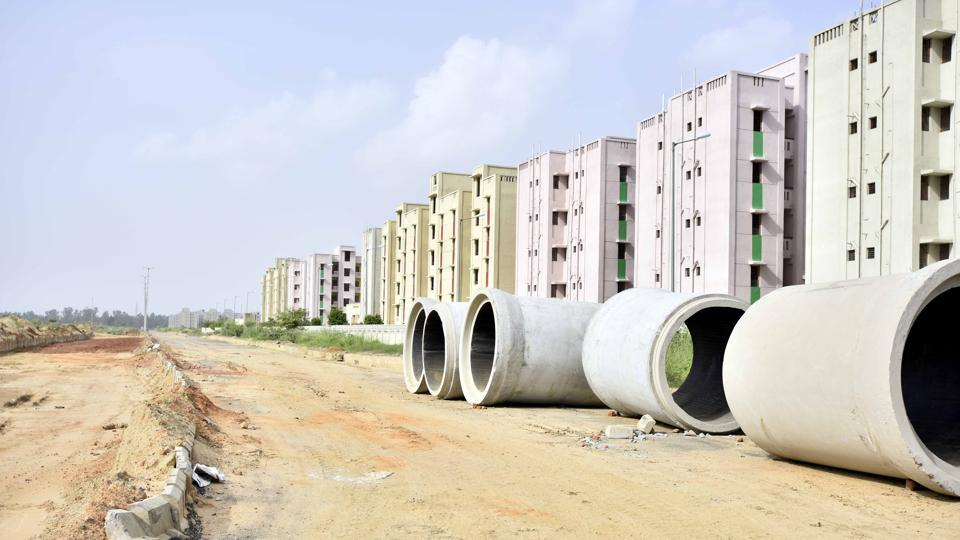 Of the total number of flats, around 10,000 unoccupied ones are from the 2014 housing scheme, while 2,000 have been lying vacant.