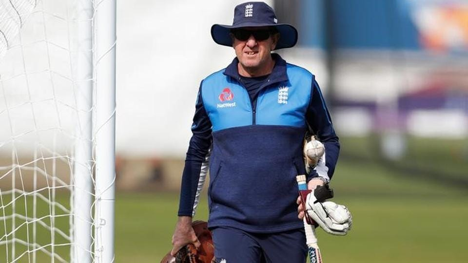 England coach Trevor Bayliss is worried by possibility of batting collapses in the upcoming Ashes.