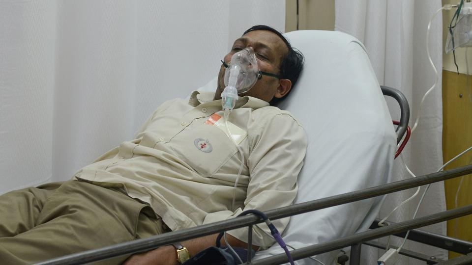 A patient is treated using a nebuliser, after being admitted to the Sir Ganga Ram Hospital suffering from the effects of pollution in Delhi.