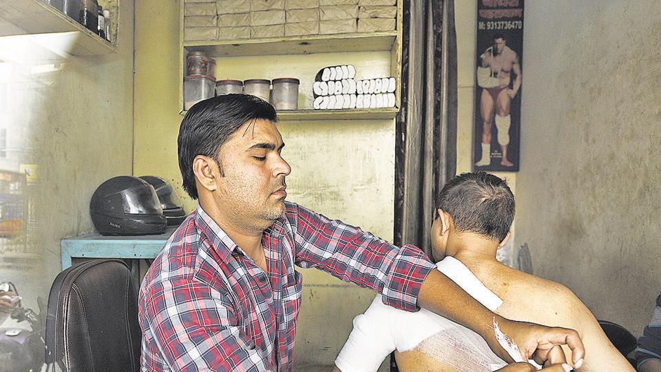 Inside The Curious World Of Delhi S Bone Setter Pahalwans