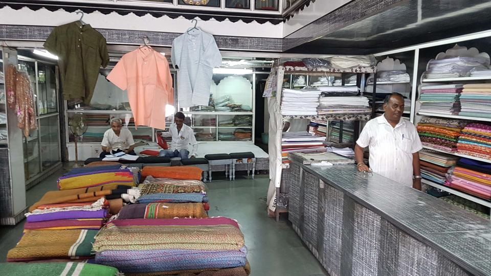 There are around 164 khadi organisations in the state with the annual turnover of Rs 125 crore.