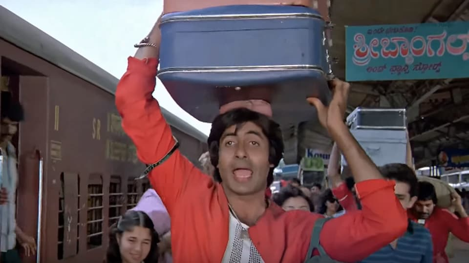Coolie was directed by Manmohan Desai.