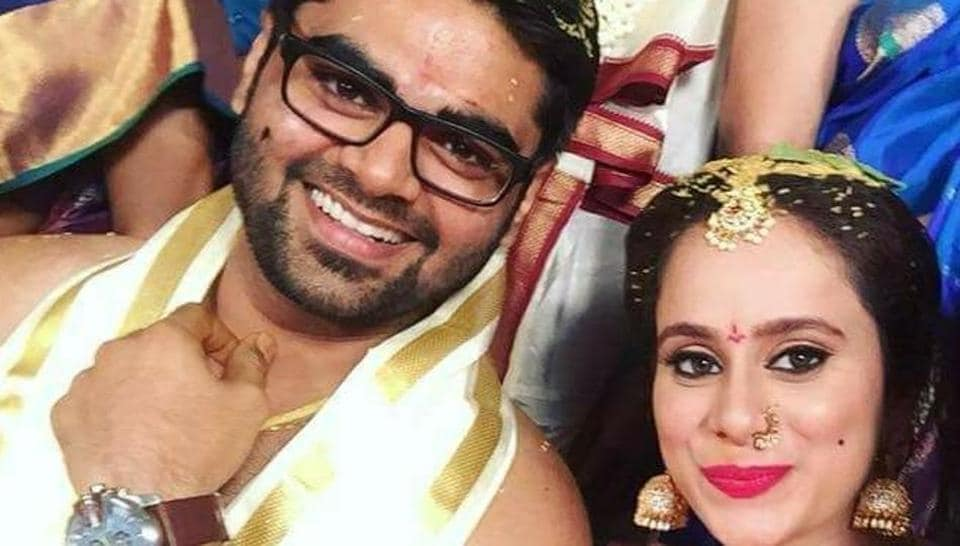Ravikanth Perepu and Veena Ghantasala have been seeing each other for some time now and got married with the consent of their families.