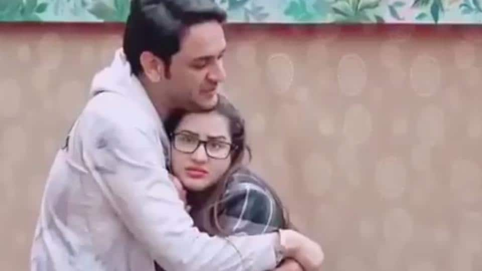 Vikas Gupta and Shilpa Shinde have confused Bigg Boss fans on Twitter.