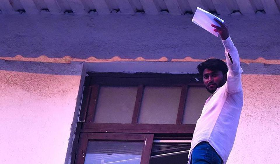 On November 10, farmer Dnyaneshwar Salve, 28, from a village in Osmanabad climbed on to the parapet of the seventh floor of the annexe building in Mantralaya and threatened to jump.