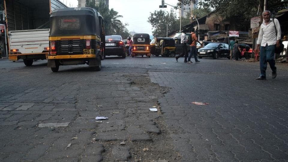 On Monday, HT reported that six months after issuing show-cause notices to 100 BMCengineers responsible for the maintenance of 34 roads, no action had been taken.