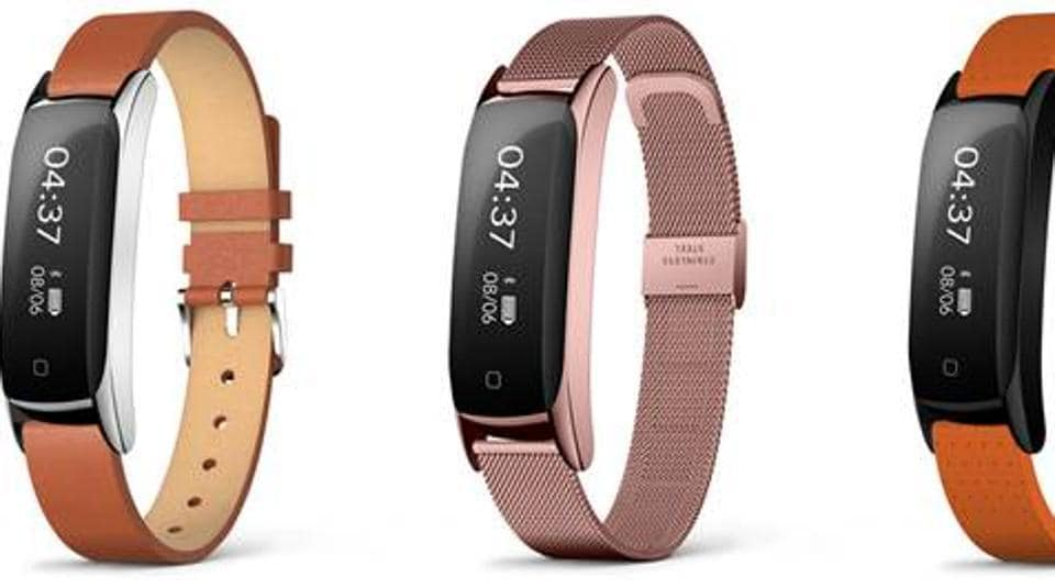 The watch delivers upto 10 days of in-use and 12 days of standby battery.