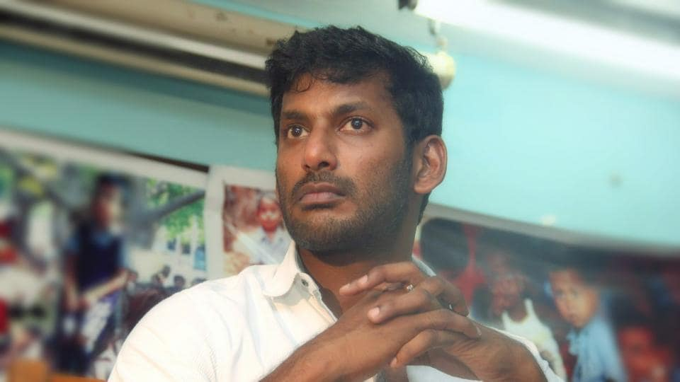 Vishal was seen in a video where he is questioned by men about unaccounted money.