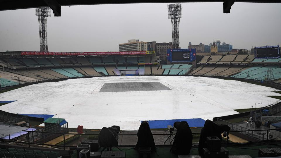 The ground at Eden Gardens covered because of rain ahead of the first Test match between India and Sri Lanka. Captain Dinesh Chandimal is dreaming of Sri Lanka making history by winning a Test in India despite being huge underdogs against the world's top-ranked side when the series begins in Kolkata on November 16. (AFP)
