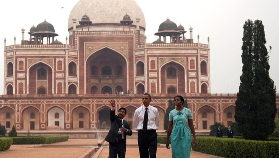 US President Barack Obama with Michelle Obama at the Humayun's Tomb in New Delhi. (AFP Photo)