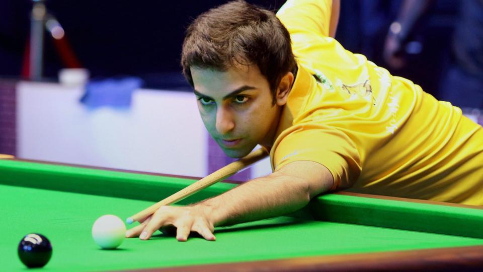 Pankaj Advani will face Mike Russels in the IBSF World Billiards Championship semis.